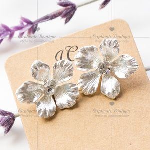 J.CREW Pansy Flower Crystal Earrings Silver NWT